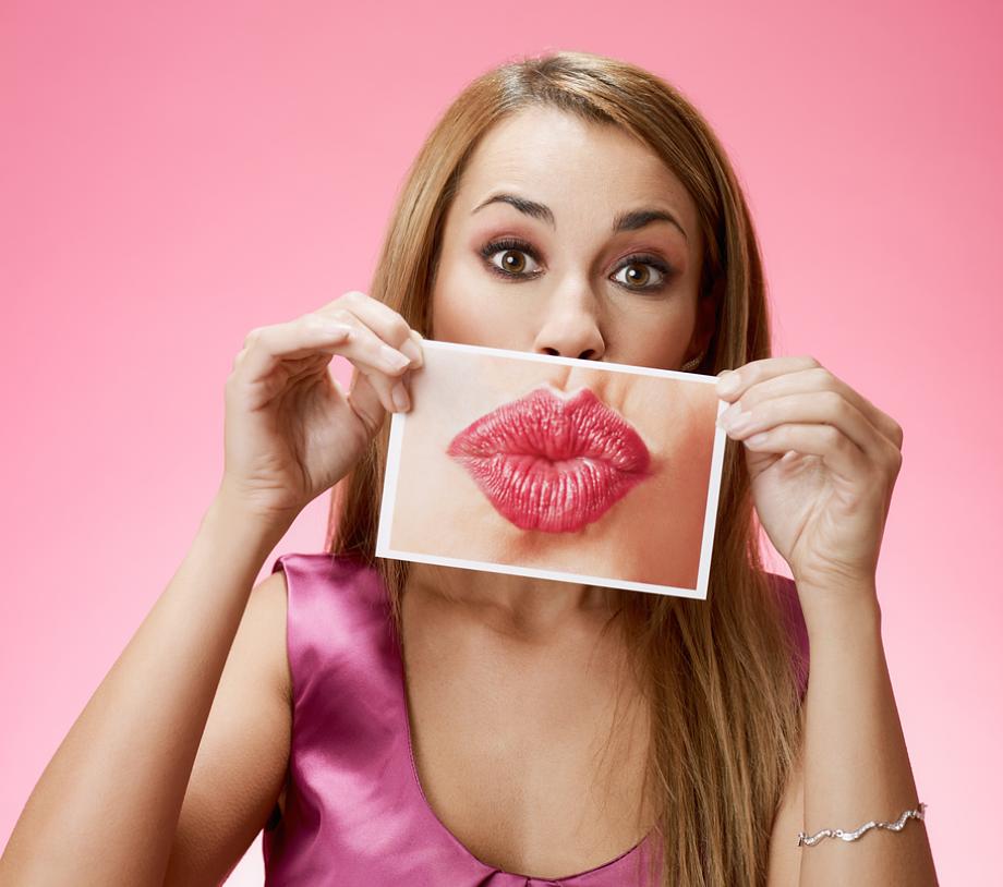 Как сделать пухлые губы домашних условиях